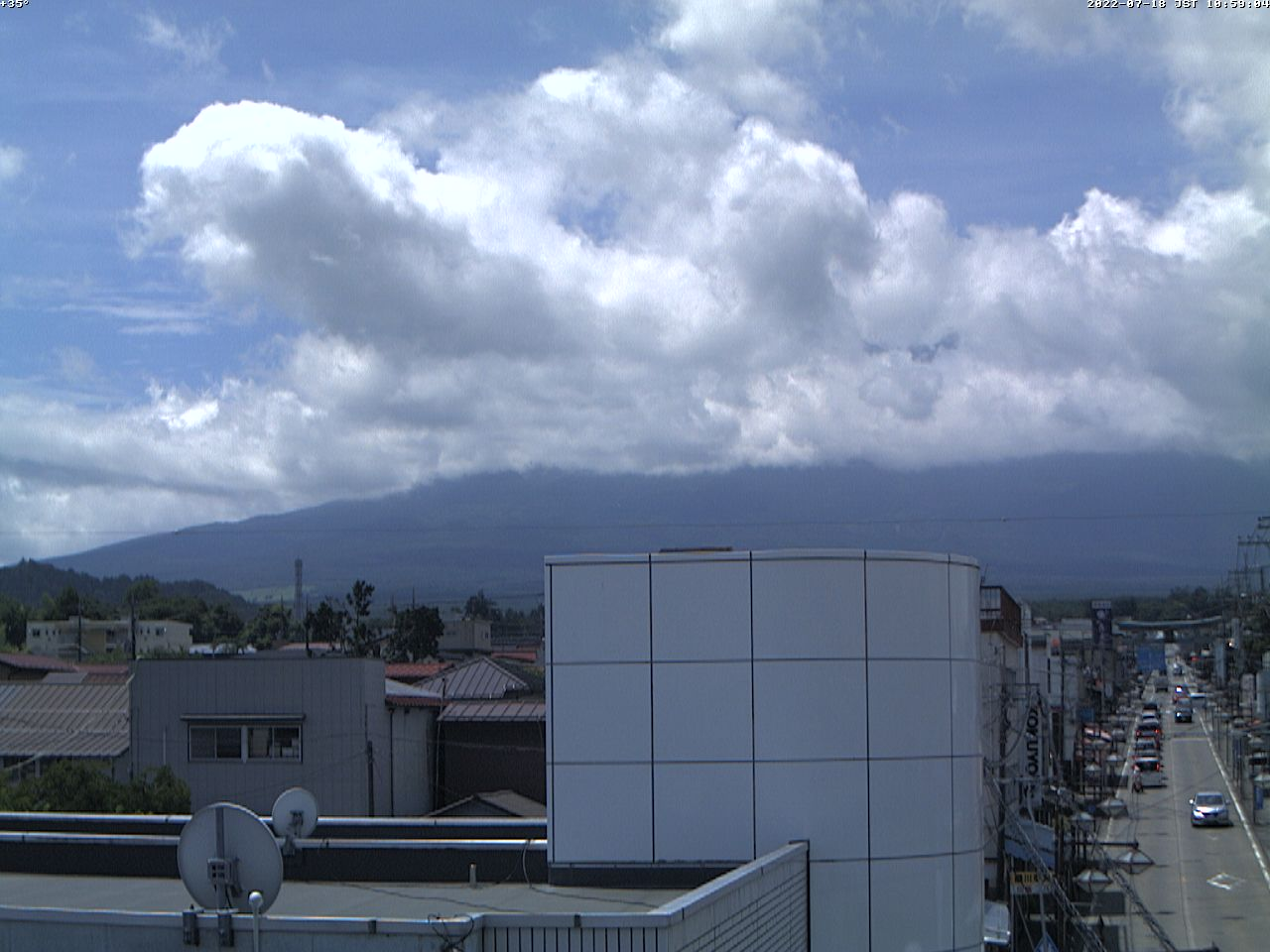 富士山ライブカメラ(富士吉田市中曽根一丁目カメラ)