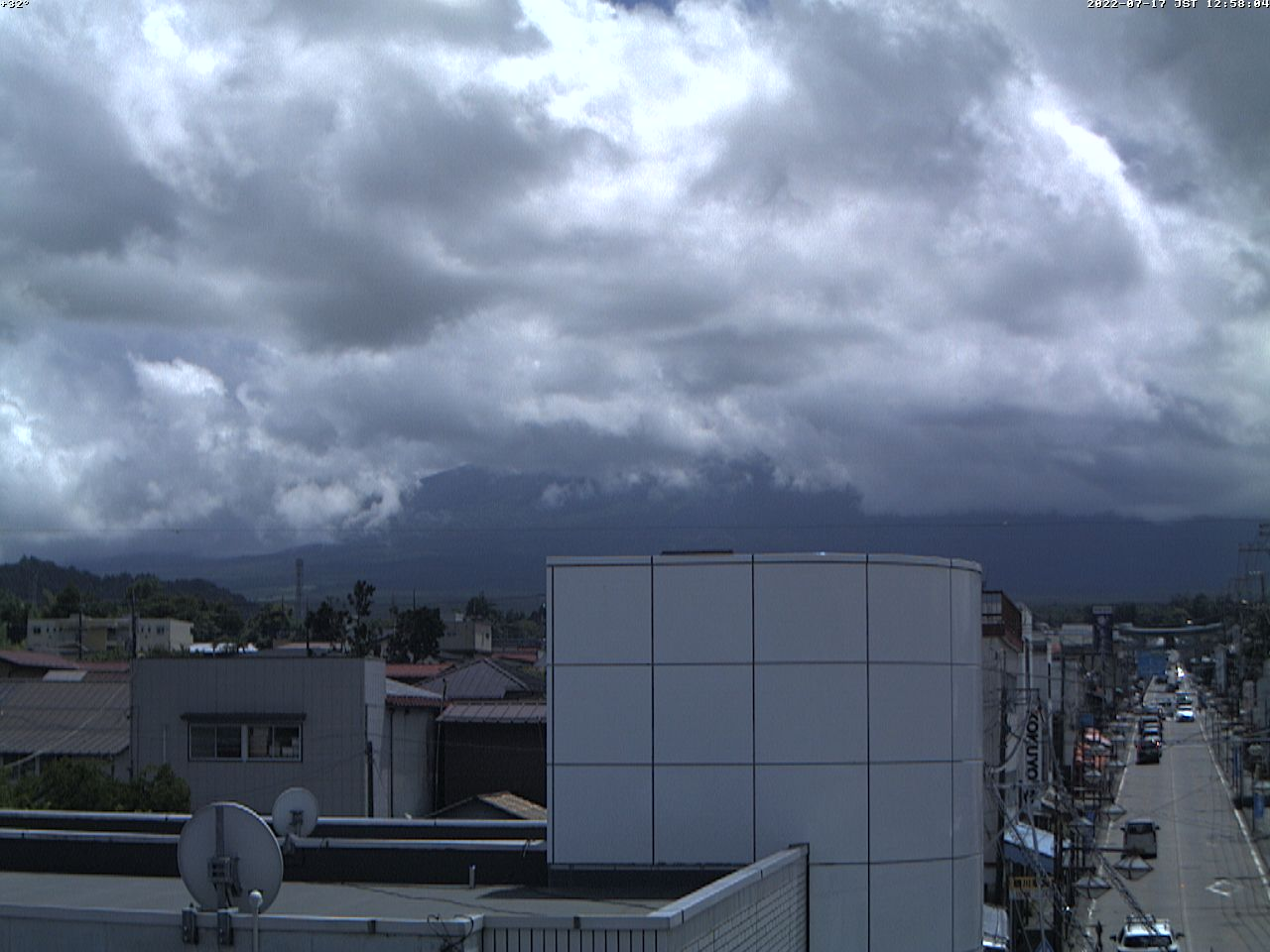 富士山ライブカメラ(富士吉田市中曽根カメラ)