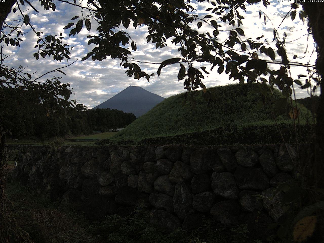 河口湖ライブカメラ-河口湖畔とロープウェイ
